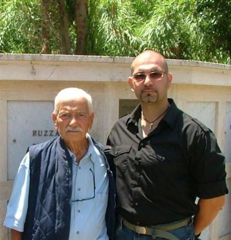 Bartolo Gallitto della Decima MAS con il Dott. Pietro Cappellari.JPG
